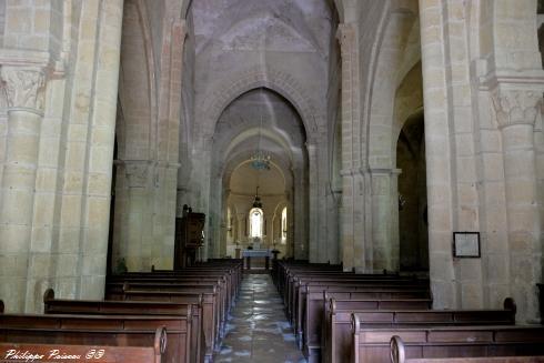Église de Sémelay vue de l'intérieur Nièvre Passion