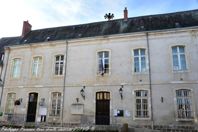 Mairie de Saint-Pierre-le-Moutier Nièvre Passion