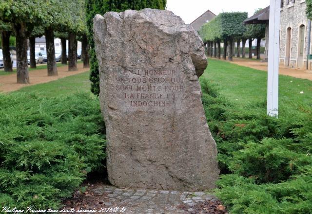 Stèle place René Chatout Nièvre Passion
