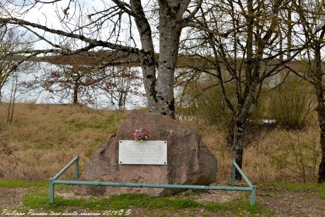 Stèle du Maquis Daniel a l'étang de Vaux un remarquable Maquis