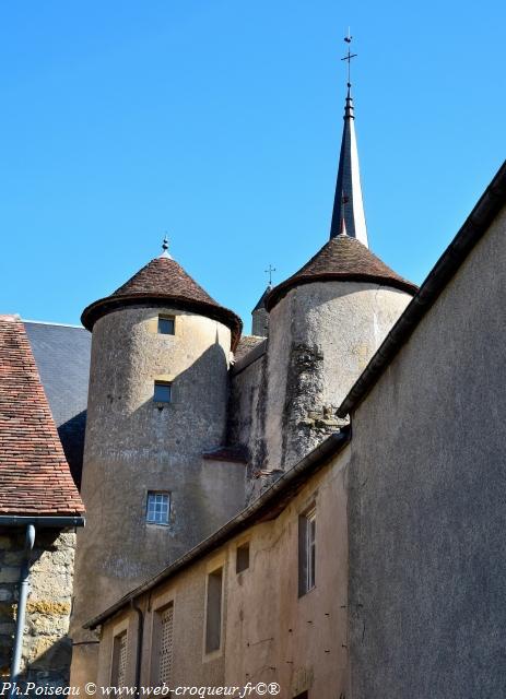 Les Tours de Moulins Engilbert un beau patrimoine Fortifié