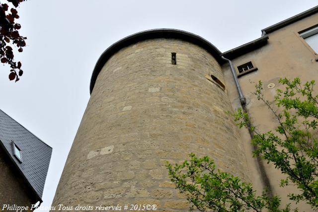 Tour de l'ancien Château de Prémery